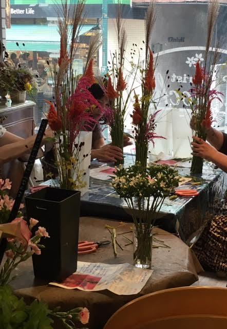 花ギフト フラワーギフト 誕生日 花 カノシェ話題 スタンド花 ウエディングブーケ 花束 花屋 立った2