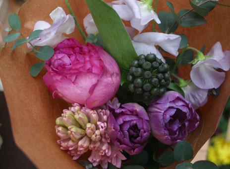 花ギフト|フラワーギフト|誕生日 花|カノシェ話題|スタンド花|ウエディングブーケ|花束|花屋|ヒヤシンス