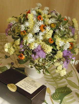 花ギフト|フラワーギフト|誕生日 花|カノシェ話題|スタンド花|ウエディングブーケ|花束|花屋|ぼんぼん