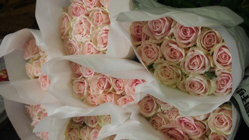 花ギフト|フラワーギフト|誕生日 花|カノシェ話題|スタンド花|ウエディングブーケ|花束|花屋|P1011113