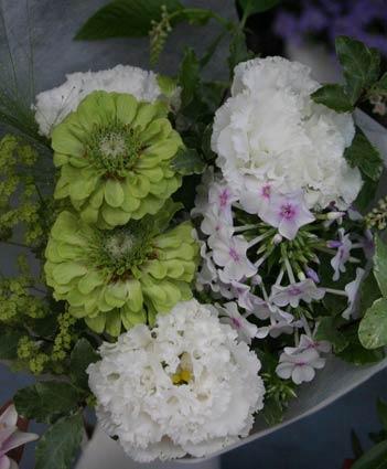 花ギフト フラワーギフト 誕生日 花 カノシェ話題 スタンド花 ウエディングブーケ 花束 花屋 jinia3