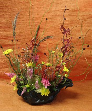 花ギフト|フラワーギフト|誕生日 花|カノシェ話題|スタンド花|ウエディングブーケ|花束|花屋|はなえちゃん月
