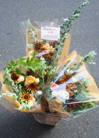 花ギフト|フラワーギフト|誕生日 花|カノシェ話題|スタンド花|ウエディングブーケ|花束|花屋|3つ-1