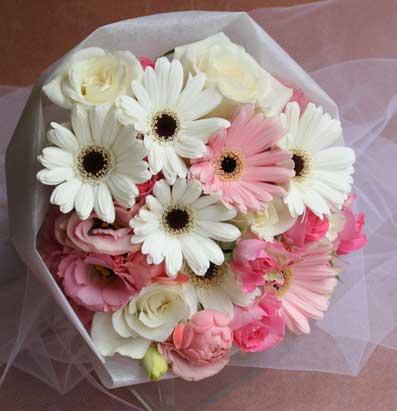 花ギフト|フラワーギフト|誕生日 花|カノシェ話題|スタンド花|ウエディングブーケ|花束|花屋|白ガーベラ