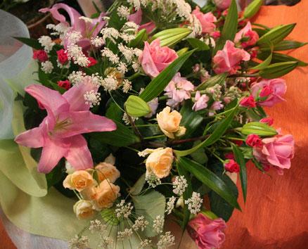 花ギフト|フラワーギフト|誕生日 花|カノシェ話題|スタンド花|ウエディングブーケ|花束|花屋|りえ花束
