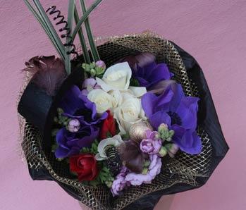 花ギフト|フラワーギフト|誕生日 花|カノシェ話題|スタンド花|ウエディングブーケ|花束|花屋|valentine2012_b_02