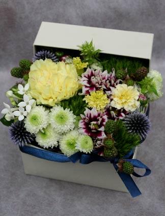 花ギフト フラワーギフト 誕生日 花 カノシェ話題 スタンド花 ウエディングブーケ 花束 花屋 mom2