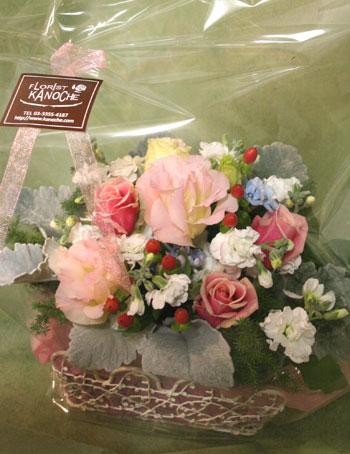 花ギフト フラワーギフト 誕生日 花 カノシェ話題 スタンド花 ウエディングブーケ 花束 花屋 しろたえ