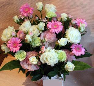 花ギフト|フラワーギフト|誕生日 花|カノシェ話題|スタンド花|ウエディングブーケ|花束|花屋|白トルコ
