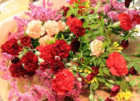 花ギフト|フラワーギフト|誕生日 花|カノシェ話題|スタンド花|ウエディングブーケ|花束|花屋|カーネ束