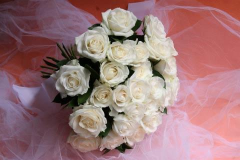 花ギフト|フラワーギフト|誕生日 花|カノシェ話題|スタンド花|ウエディングブーケ|花束|花屋|椿山荘 白バラ