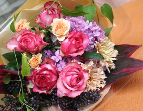 花ギフト|フラワーギフト|誕生日 花|カノシェ話題|スタンド花|ウエディングブーケ|花束|花屋|フェリーニ