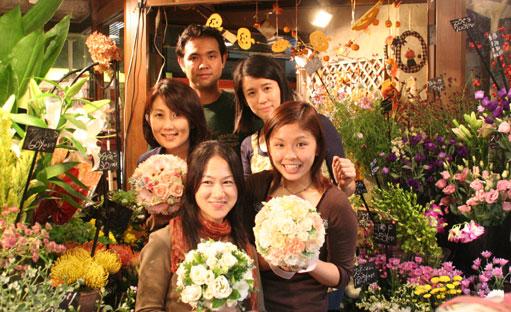 花ギフト|フラワーギフト|誕生日 花|カノシェ話題|スタンド花|ウエディングブーケ|花束|花屋|5人