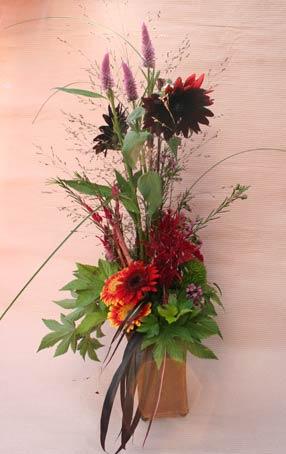 花ギフト フラワーギフト 誕生日 花 カノシェ話題 スタンド花 ウエディングブーケ 花束 花屋 茶色ヒマワリえみこさん