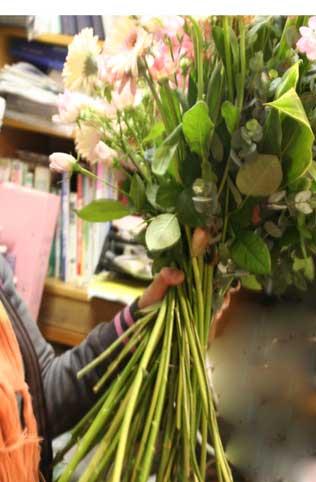 花ギフト|フラワーギフト|誕生日 花|カノシェ話題|スタンド花|ウエディングブーケ|花束|花屋|太い茎