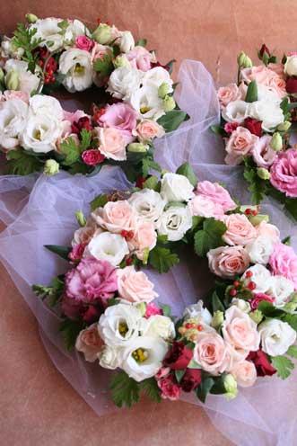 花ギフト|フラワーギフト|誕生日 花|カノシェ話題|スタンド花|ウエディングブーケ|花束|花屋|リース3つ