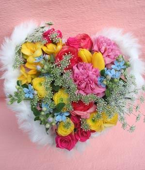 花ギフト|フラワーギフト|誕生日 花|カノシェ話題|スタンド花|ウエディングブーケ|花束|花屋|2012whiteday_b2