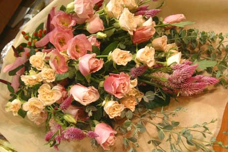 花ギフト フラワーギフト 誕生日 花 カノシェ話題 スタンド花 ウエディングブーケ 花束 花屋 たてなが