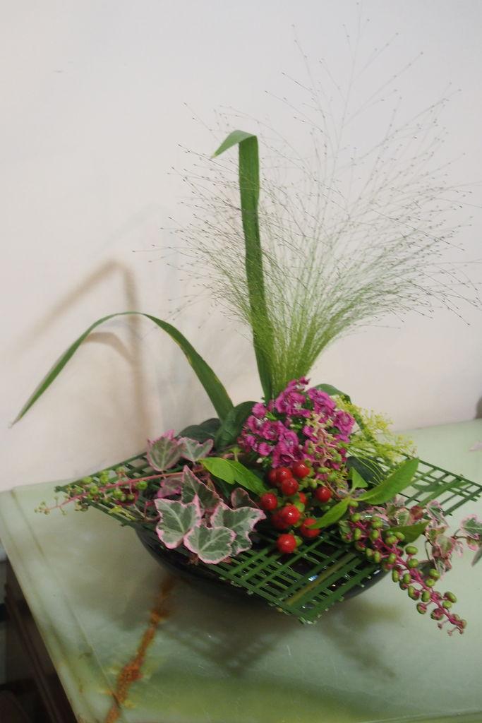 花ギフト|フラワーギフト|誕生日 花|カノシェ話題|スタンド花|ウエディングブーケ|花束|花屋|P8240912