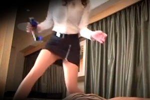 【盗撮】ホテルの一室で巨乳人妻が特別マッサージのサービス!
