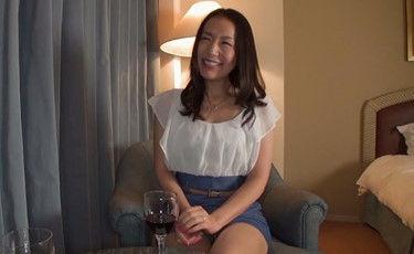 32歳 黒髪清楚で上品な妖艶三十路奥様岡本さんが他人棒との密会で寝取られHしちゃいます!