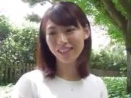 元気で笑顔!愛嬌のある若妻が不倫サイトに応募して大人の遊び