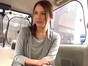 超S級な極上主婦をゲット!車内&ホテルでたっぷりエッチを愉しむ!