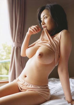 com_o_p_p_oppainorakuen_20111028_004
