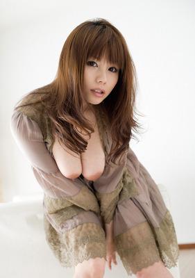 com_o_p_p_oppainorakuen_20110604_001