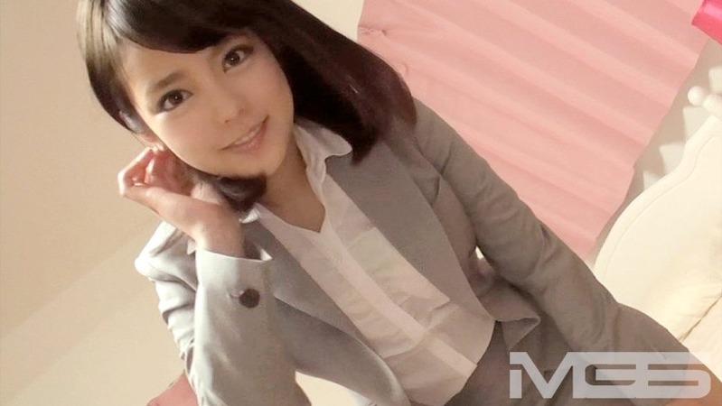若菜 23歳 企業の広報 - グレーのスーツがエロ可愛いシロウトOLさん【初撮りOL 02 -...