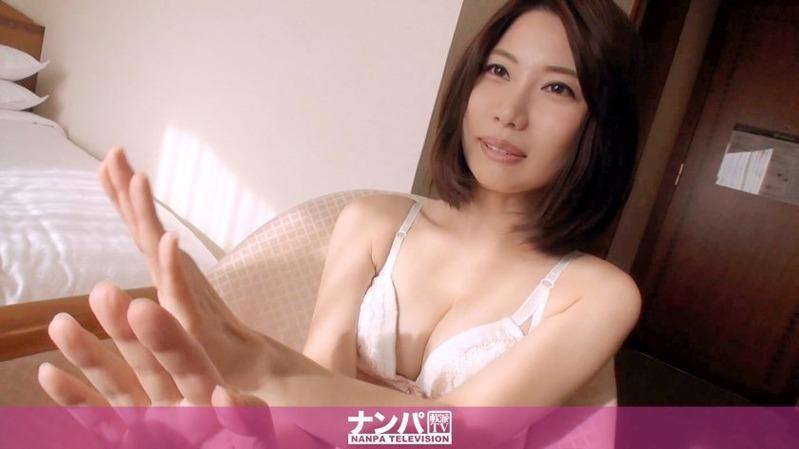 理子 27歳 エレベーターガール - お願い事を断れない性格なのでHなお願いも断れない気品のあ...