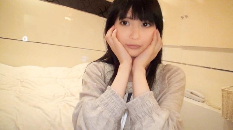 ゆま 21歳 大学生 - キス顔が超かわいい黒髪のシロウト美少女【素人個人撮影、投稿。690-...