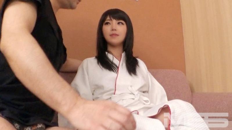 ゆいな 29歳 看護師 - 上目つかいのフェラがエロい。かわいい!大人の女の魅力たっぷりのシロ...