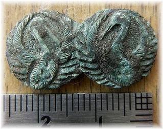 南部聖寿寺館出土刀装具