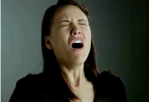 slow-motion-sneezing02-480x329