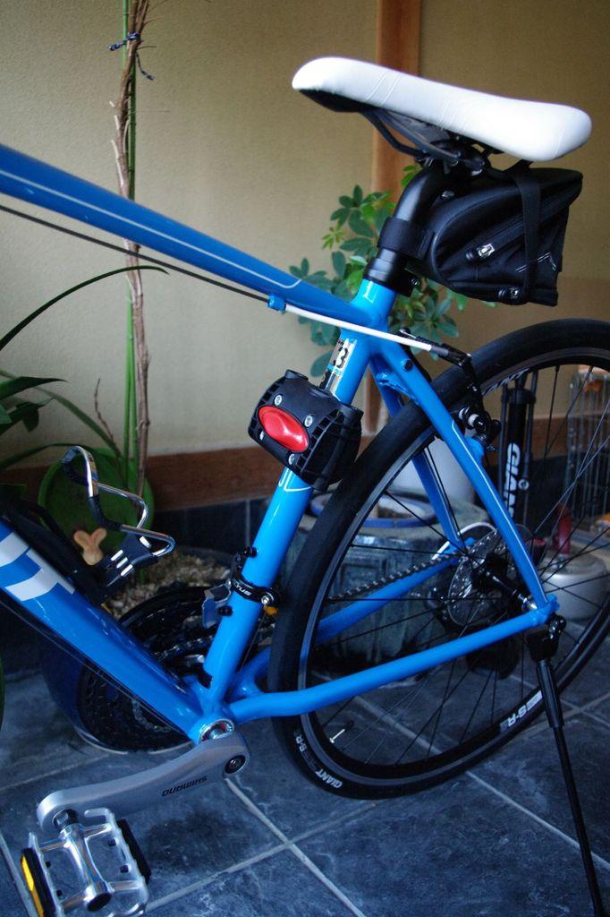 自転車の 自転車 国産 クロスバイク : これはかなり変わった装備です ...