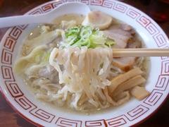 おお田_白たまり醤油ラーメン(麺)_201701
