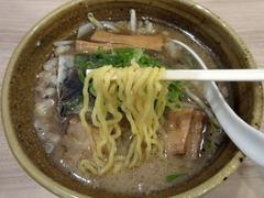 まるはBEYOND_札幌背脂みそ(麺)_202107