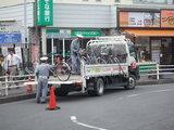戸田駅で撤去される不法駐輪自転車