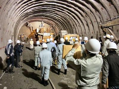 トンネル先端