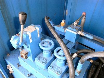 油圧操作盤
