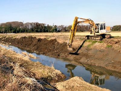 土川の浚渫