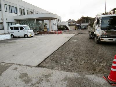 坂田小学校駐車場舗装工事