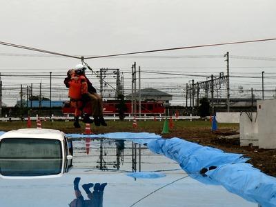 水没した車両からの救出
