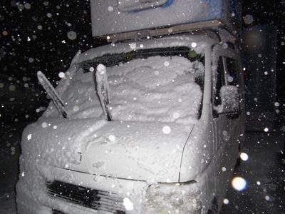 雪と宣伝カー