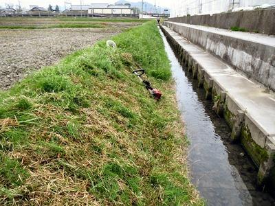 水路後半の草刈り