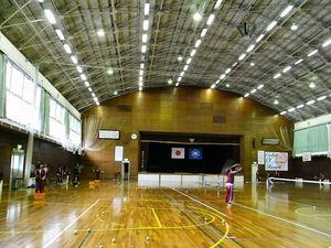 双葉中学校体育館