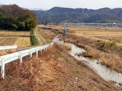 土川国道の東側