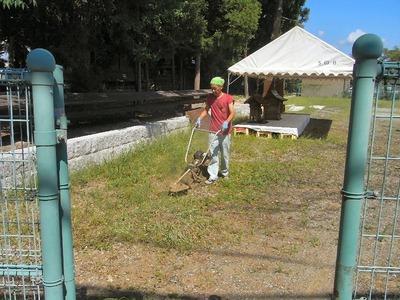 広場の草刈り