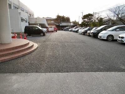 坂田小学校駐車場